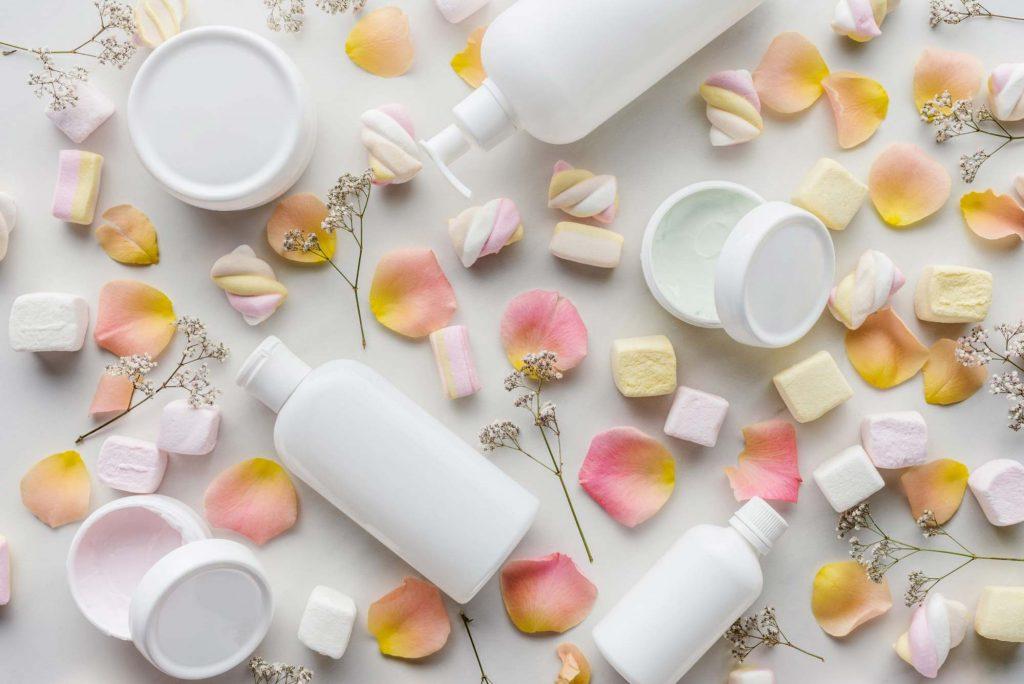 prodotti-cosmetici-creme-petali-lilab